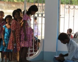 Eye clinic for village kids at Dharmada – India